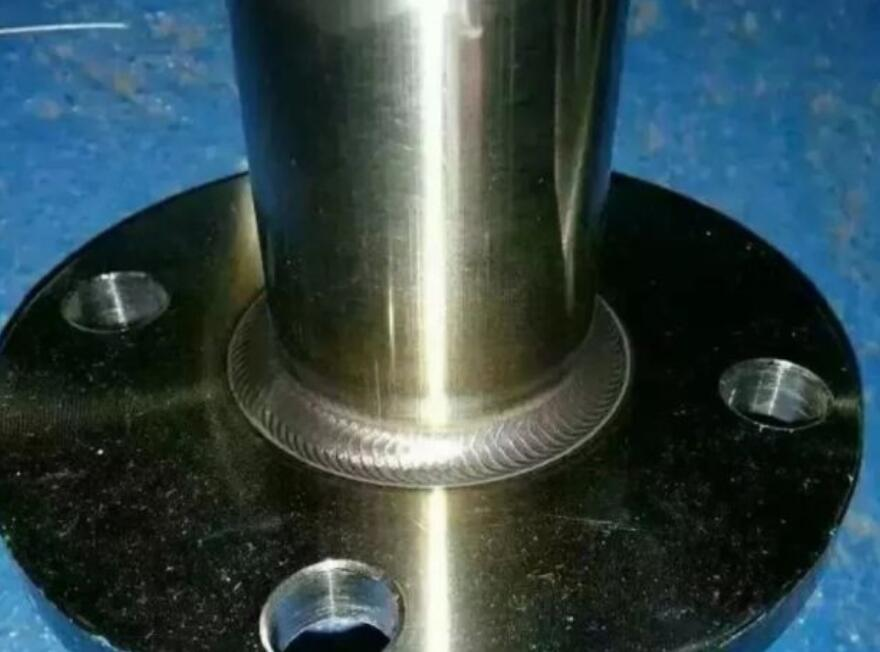 welding stainless steel pipe and flange